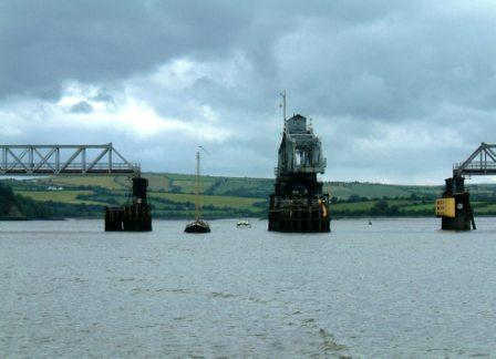 W25 Ebenaezer and Lady Jane through Barrow Bridge.jpg