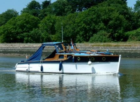 W26 Vicki May outside Waterford.jpg