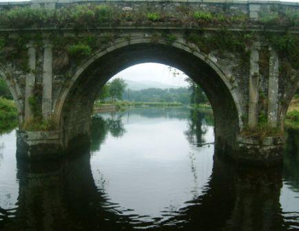 W32 Inistioge 066 Bridge from Anchors bow.jpg