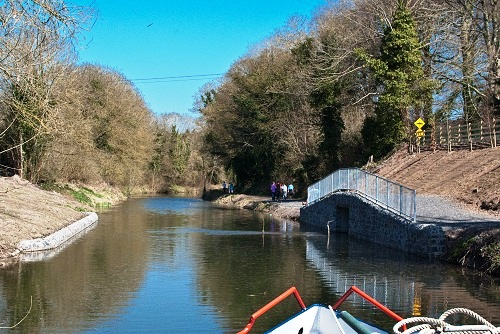 2W Feeder into Grand Canal east of Sallins CN Apr 2010.jpg