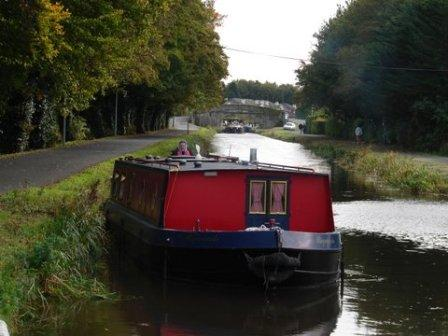 W10 barge Rigmarole on way down the Naas Line PK Oct 2010 DSC03987.jpg
