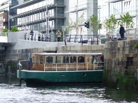 W01 Rambler the Royal Canal Steamer entering Spencer Dock PM May 14 2010 4409.jpg