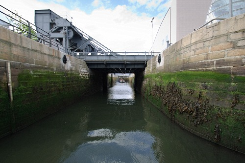 W01 View of Spencer Lock from Liffey CN May 14 2010.jpg