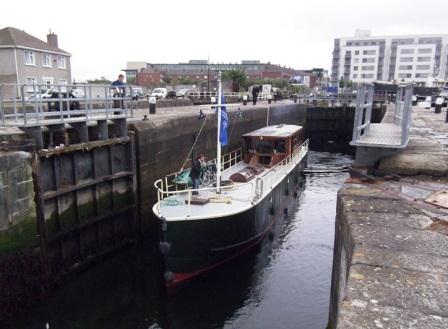 01W The Rambler in GCD Lock on May 21 2011 by JT.jpg