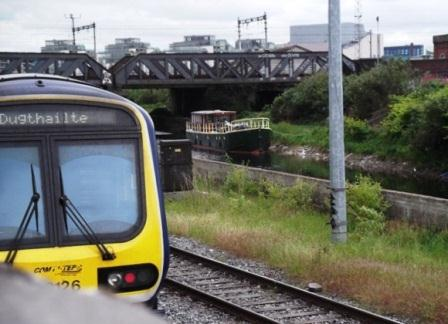 04W Awaiting lifting of CIE Railway Bridge May 27 2011 01331 31 by JT.jpg