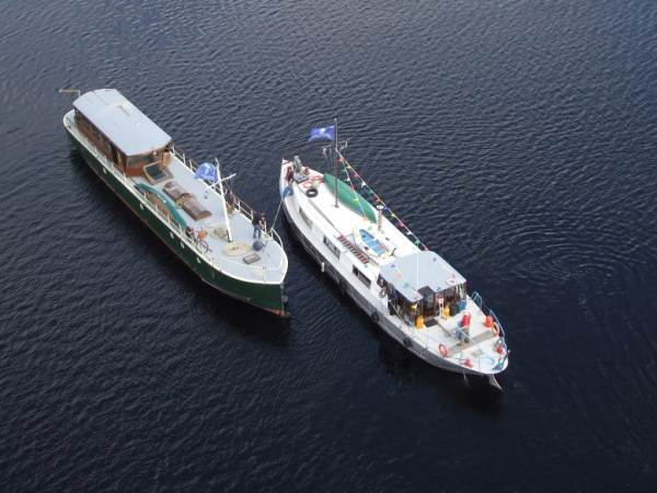 33W Aerial view on Lough Ree by SR 200.jpg