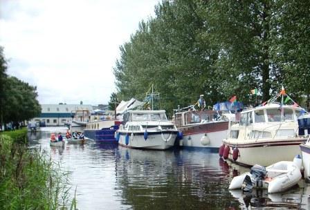 4E Cirrus et al in The Harbour