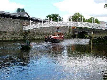 4B arriving in Limerick 2008