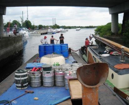 45M & Ebenezer under Banagher Bridge 2006
