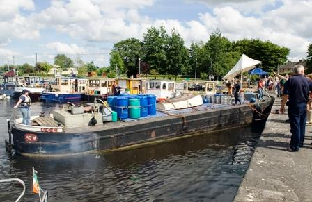45M powered by a Bolinder E Type 15hp, arriving at Banagher 2006